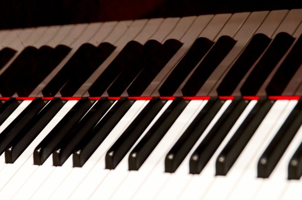 the keys of a piano to be played at a wedding ceremony